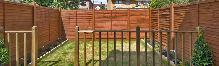 Garden Fencing Services   Feather Edged Or Paneled.